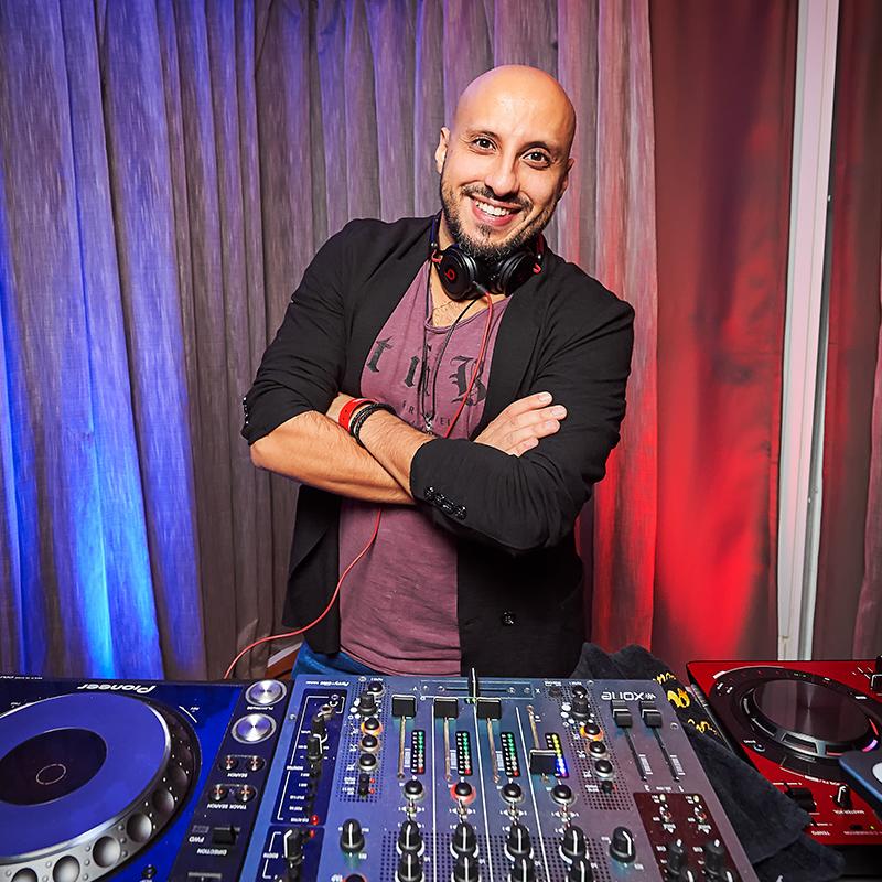 DJ DMITRI_800x800px
